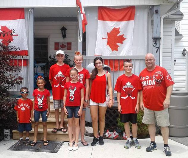 ¿Cómo son las familias anfitrionas participantes en el programa de Año escolar en Canadá?